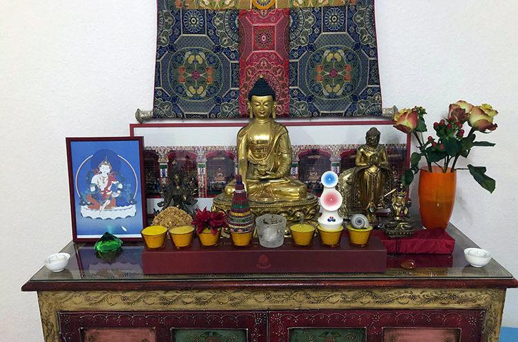 PARAMITA BONN - Altar